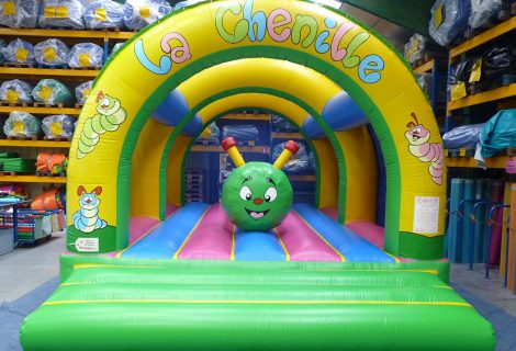 OBSTACLE SOUS 3 ARCHES CHENILLE GONFLABLE