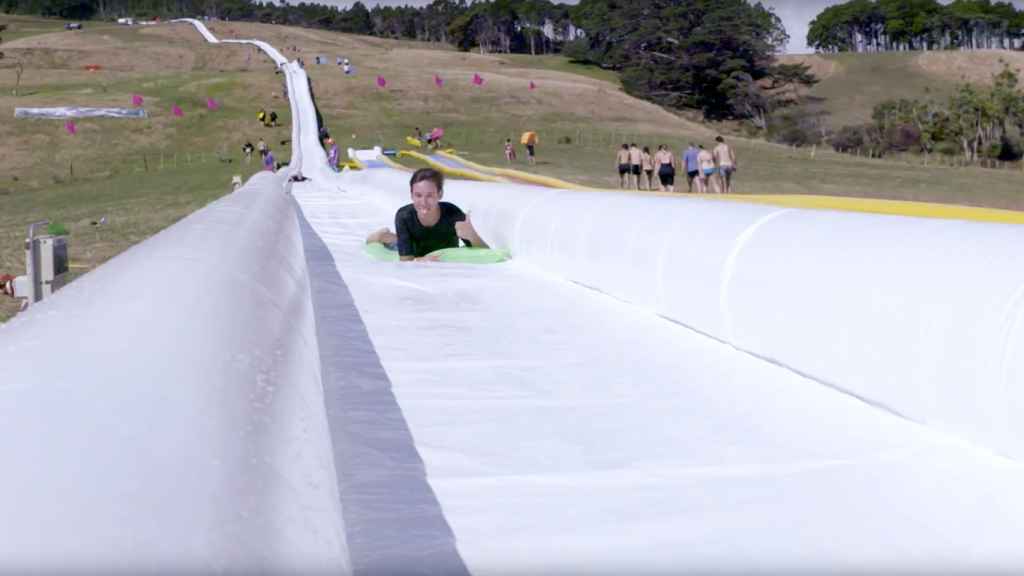 descente aquatique  slide the city  city water slide