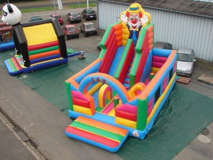 Multiplay toboggan 230 circus gonflable