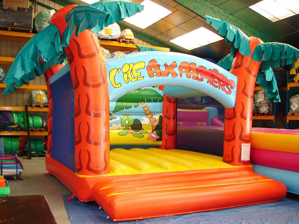 Vente de chateau gonflable sans obstacle pour les parcs de jeux ou les campings - Vente chateau gonflable ...