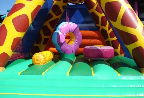 Boudin gonflable et obstacles de la Girafe