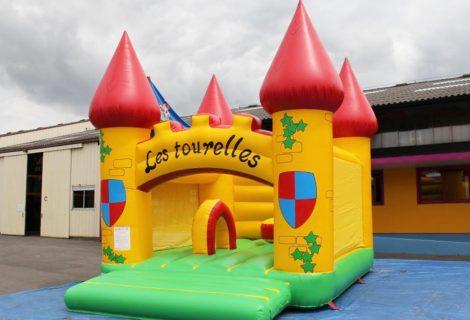 CHATEAU LES TOURELLES 6x5m GONFLABLE