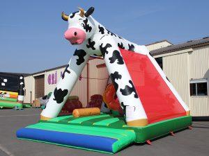 achat d 39 un chateau gonflable pas cher matelas a sauter vache avec obstacle. Black Bedroom Furniture Sets. Home Design Ideas
