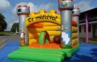 Structure trampoline théme Médiéval 5x4 avec 2 obstacles