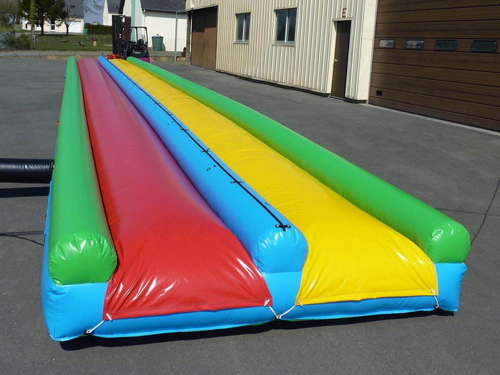 Tapis De Glisse 20m : longue glisse aquatique sur bache de 20m ~ Dailycaller-alerts.com Idées de Décoration
