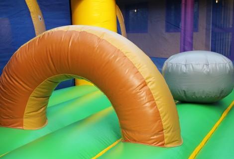 Détail des obstacles de jeux Playground Gaulois