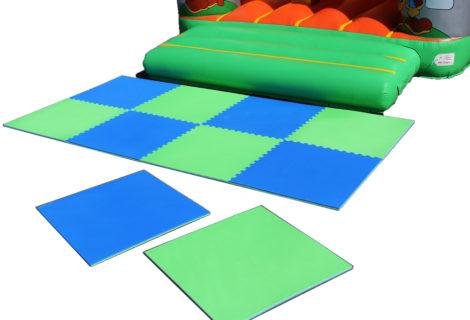 tapis de sortie en mousse pour chateaux gonflable. Black Bedroom Furniture Sets. Home Design Ideas