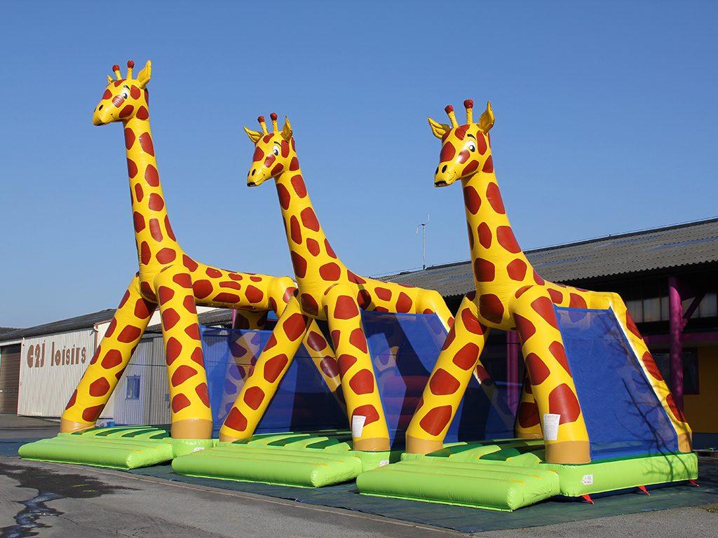Achat girafe gonflable pour les enfants a mettre dans les parcs de jeux camping ou location - Petit chateau gonflable ...